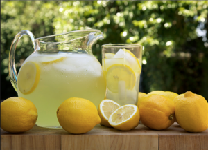 Health Benefits and 10 Brilliant Uses of LEMON